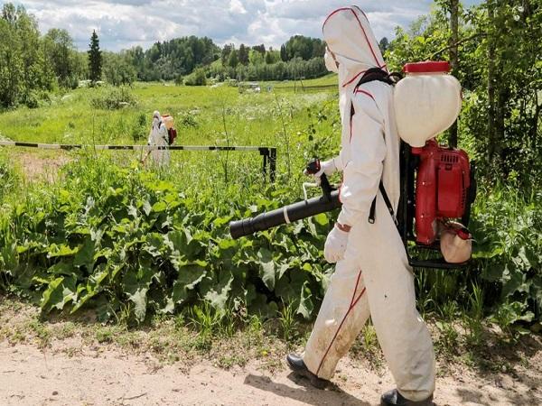 Гербицидная обработка поля в Омске